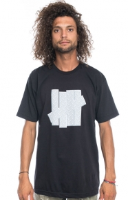 undefeated-diamond-plate-strike-t-shirt-black-211213