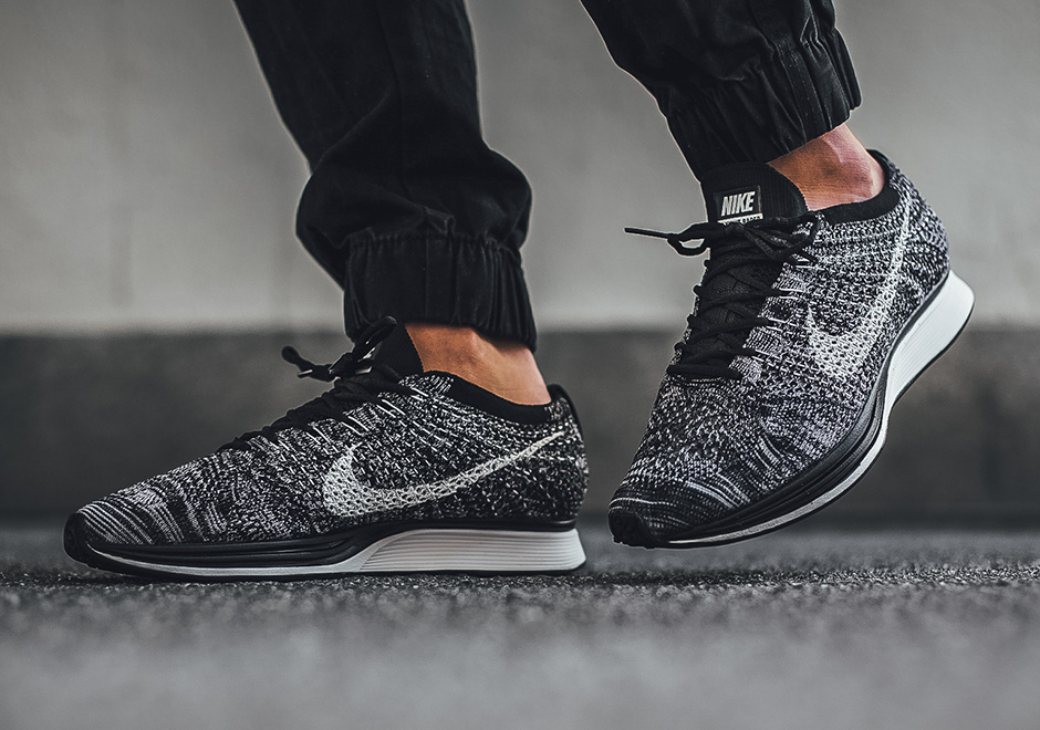 nike-flyknit-racer-oreo-2-0-on-feet-2