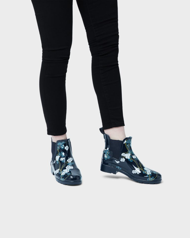 987Womens Black Blossom Print Chelse