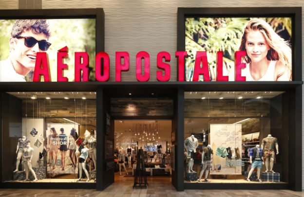 Aéropostale store front at Garden State Plaza.